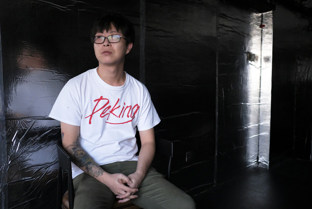 Shi Jian is the founder of the Monster Fight Club in Chengdu. He is from the city of Lanzhou, and owned an online jewelry-shop before opening the fight club in 2016.