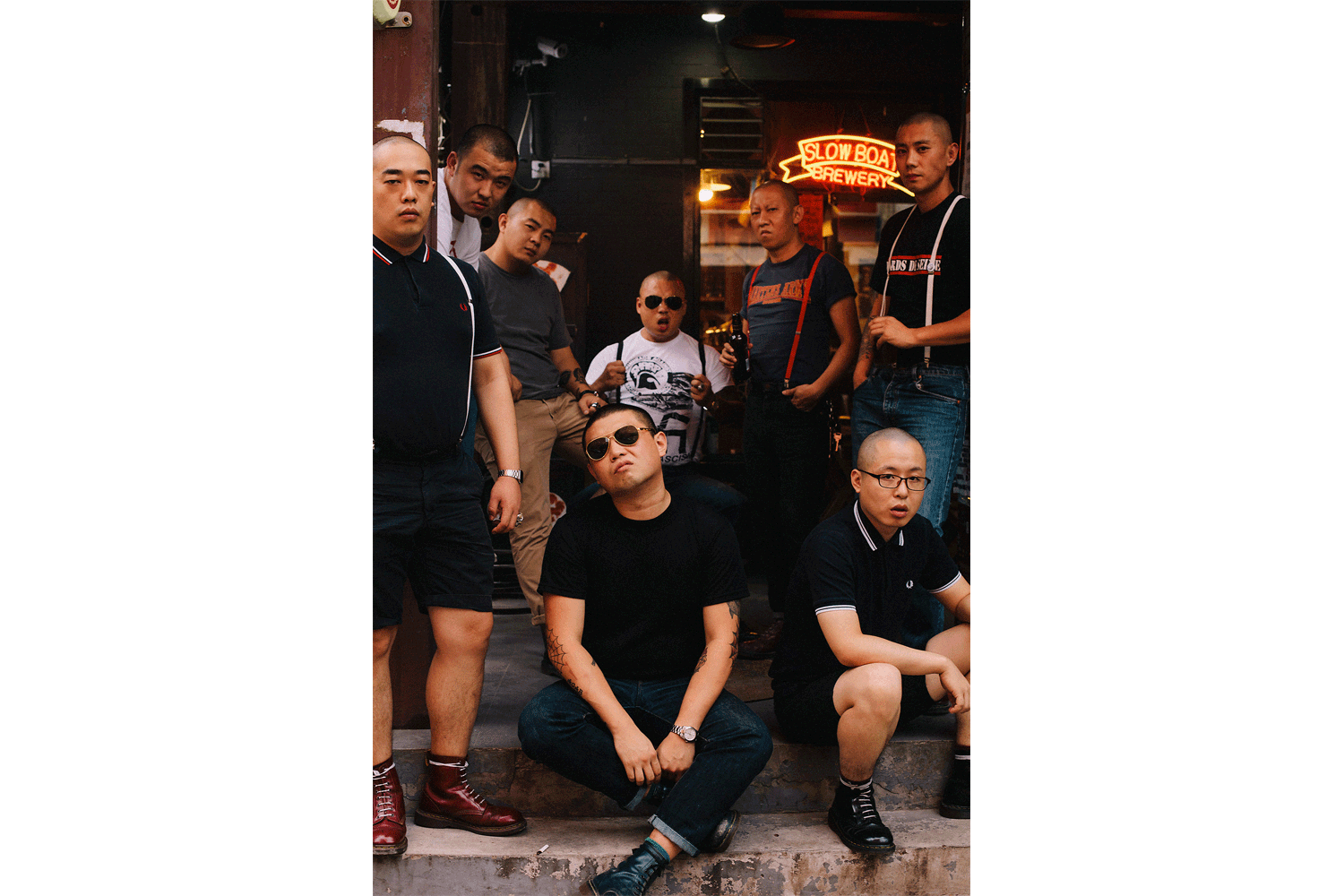 Whenever there is a punk concert, or an anniversary related to Misandao or the late Lei Jun, these friends assemble at the bar. Bangbang says, 'I don't have any normal expressions. I can't smile anymore. I'm just always pissed off.'