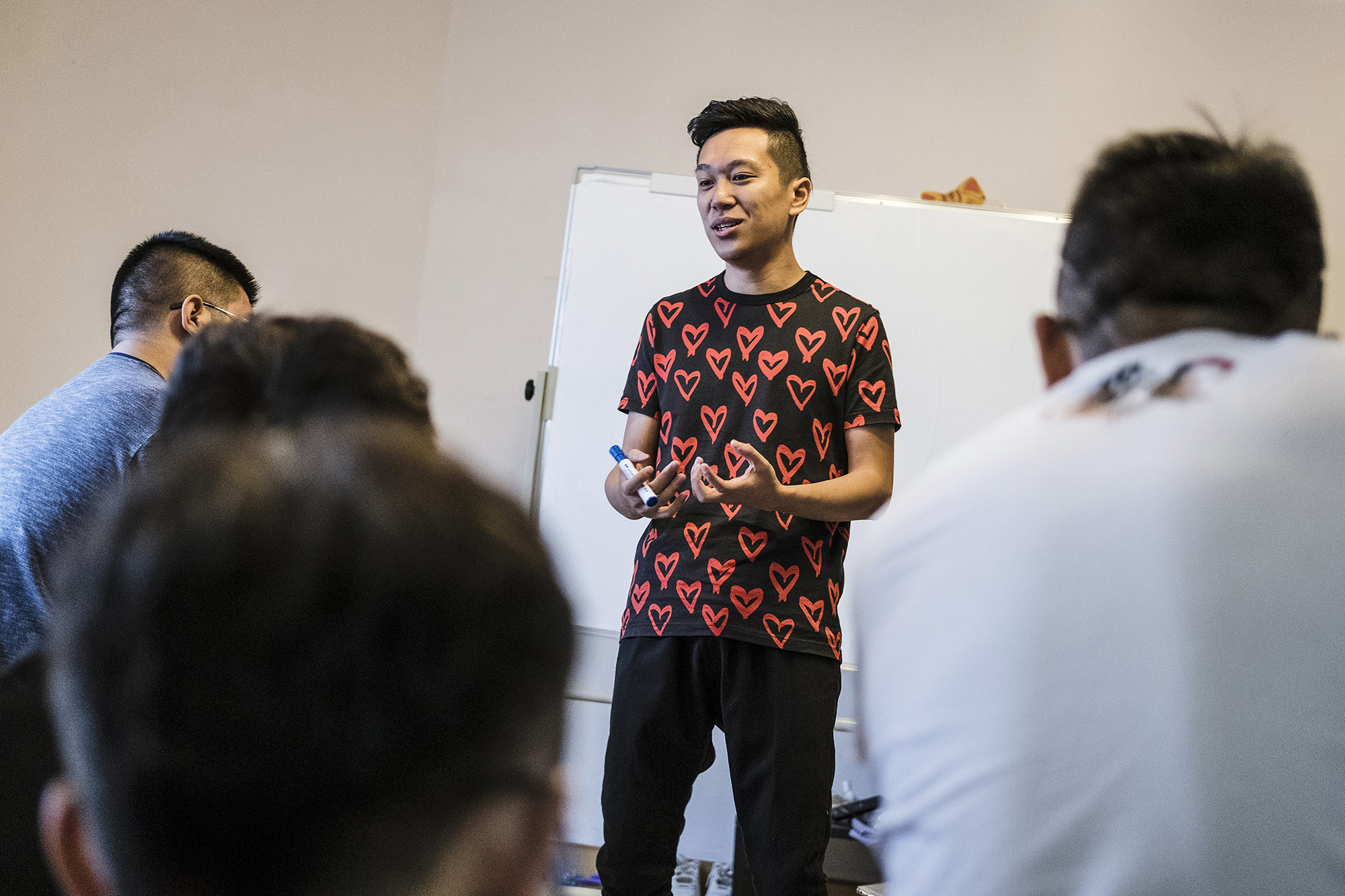A Puamap mentor, Brian, teaches students how to chat with women, October 3, 2016. A week-long Puamap program costs 7,000 renminbi (U.S.$1,055).