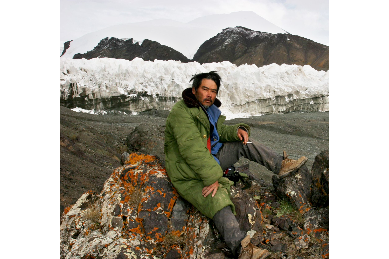 Geologist and glaciologist Yang Yong, by the glaciers that feed the Yangtze on the Qinghai Tibet plateau. Photo by Yang Yong.