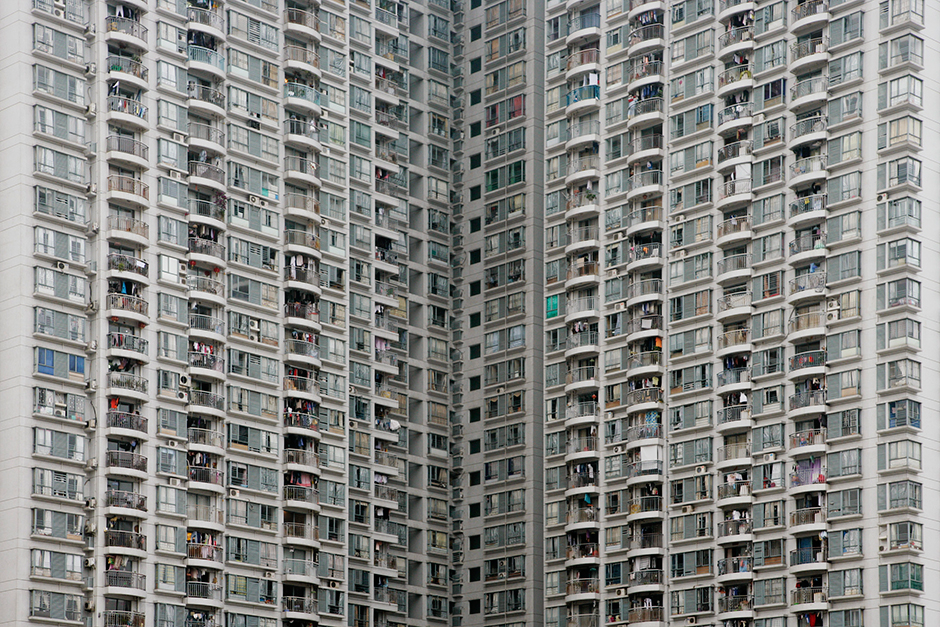 New housing developments rise in Shenzhen, April 2009. Over the course of that year, commodity housing prices jumped from approximately US$1,600 to almost US$2,800 per square meter.