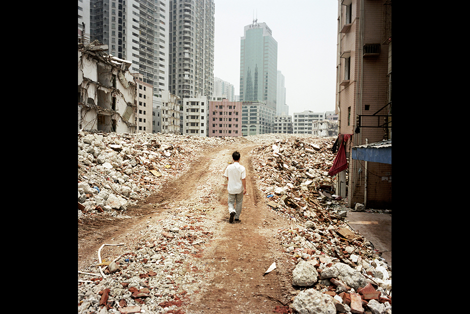 In 2005, a large American design firm was awarded first prize for its design proposal in a competition launched by the Shenzhen government. Four years later, 95 percent of the 550 families in Gangxia West Village had signed agreements with the developer to move out, and nearly 50 percent of the buildings had been demolished as the plan moved forward.
