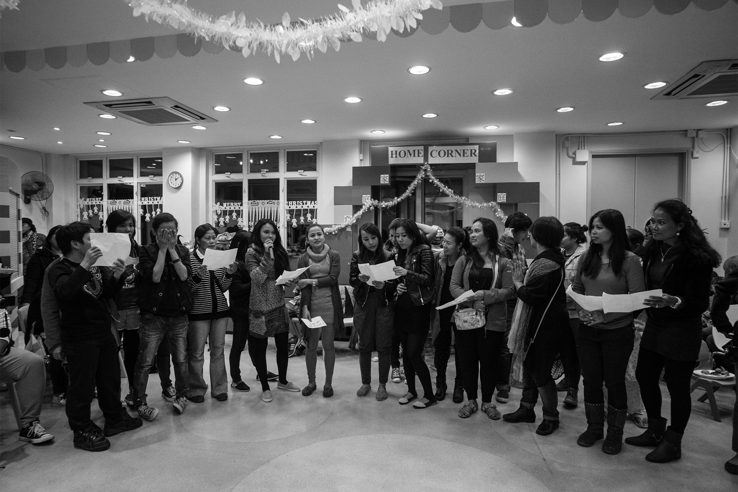 Residents of the shelter celebrated Christmas in 2014 at the Kowloon Union Church. They read their wishes and sang Christmas carols. Many of them said that the festivities helped lift their spirits and made them forget their troubles, if only for a while.