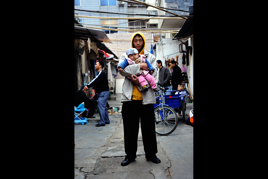 The children of Wuwucun's migrant workers are now having their own babies, a third Shenzhen generation that has never been to Chongqing or Sichuan.