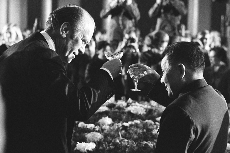 U.S. President Gerald R. Ford toasts China's new Vice Premier Deng Xiaoping at a dinner at The Great Hall of the People on December 4, 1975 in Beijing. Ford was the second U.S. President to visit China. He met with both Deng and Mao Zedong. He had visited China three years earlier as Minority Leader of the U.S. House of Representatives. (Photo by David Hume Kennerly/Getty Images)