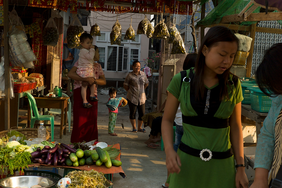 A market scene in Mandalay.