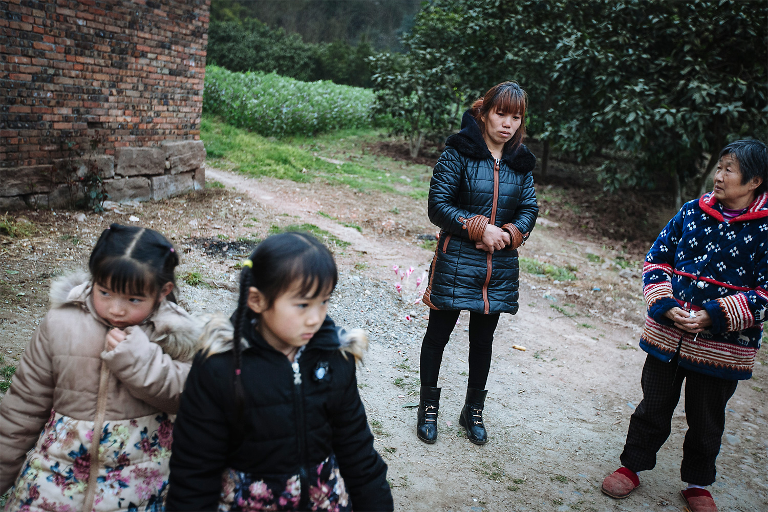 "Ning Xianfang talks to a neighbor in Longjing about the plan to sell one of her daughters, asking if she knows anyone who would want a daughter and would treat her well. One day, Xianfang says, her daughter Siyao came to her and cried, ""Don't sell me!"" But a few hours later she told her, ""You can sell me. I'm the older one… I should be able to take care of myself. Just don't forget to buy me back when dad is cured and you have money."""