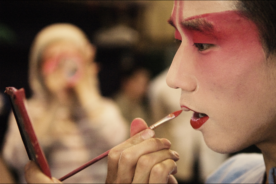 The makeup application process is difficult and time-consuming, but key to the art of Chinese opera. It takes years for artists to learn the skill. The makeup's colors and markings enable the audience to quickly identify a character as good or bad, as well as his or her function and rank.